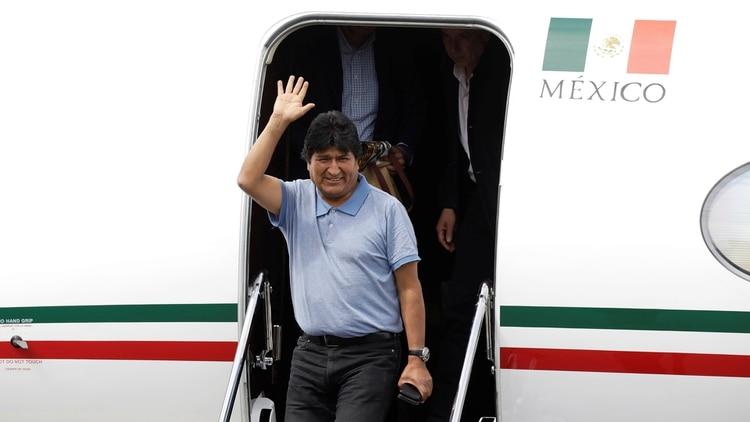 Evo Morales, al momento de aterrizar en México (REUTERS/Luis Cortes)