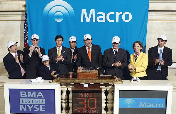 Jorge Brito opened the session of the New York Stock Exchange