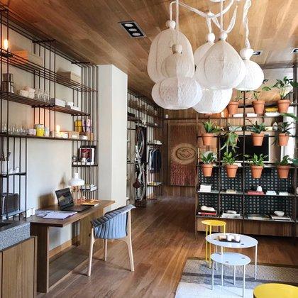 """En el """"Loft para una pareja millennial"""", Malena Perkins y Tomás Magrane diseñaron un loft para una pareja de millennials ligada al mundo del diseño"""