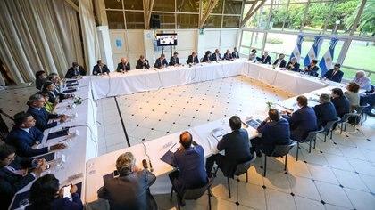 La mayoría de los gobernadores de la Argentina estuvieron presentes en la Quinta de Olivos (Presidencia)