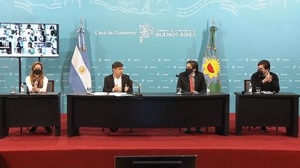 Kicillof junto al ministro de Educación de la Nación, Nicolás Trotta