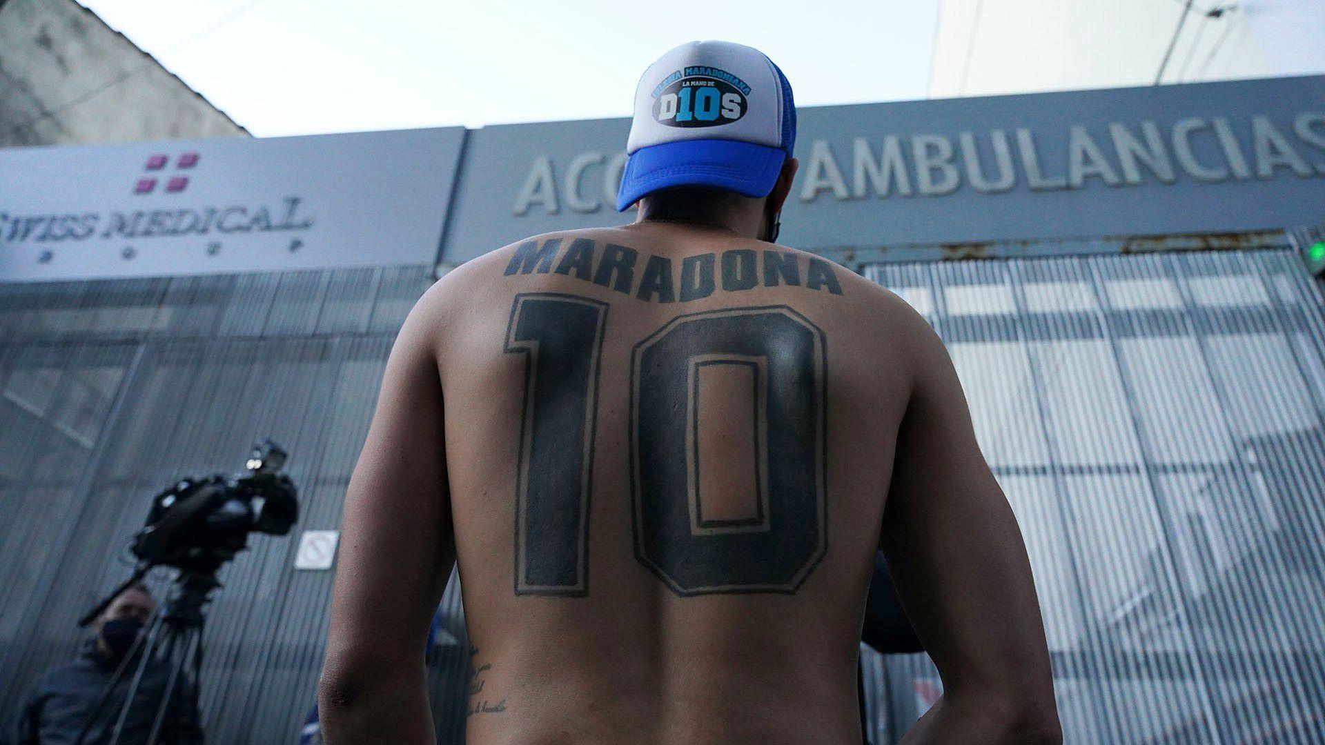 Operación de Diego Maradona en Clínica Olivos - 3 de noviembre 2020