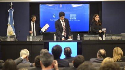 Hernán Lacunza escuchó las inquietudes de los economistas de la oposición (Gustavo Gavotti)