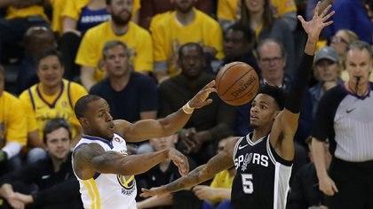 San Antonio Spurs visita el Oracle Arena por el quinto duelo de playoffs ante Golden State Warriors (Foto: Getty Images/AFP)