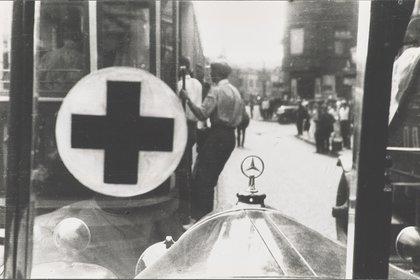 """En un auto en moviemento: """"Emergencia"""", de 1931"""
