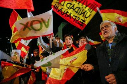 El auge de VOX plantea un nuevo escenario en la política española que busca aprovechar el nuevo ISSEP  REUTERS/Susana Vera
