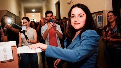 Ofelia Fernández se convirtió en la legisladora más joven de la historia con 19 años