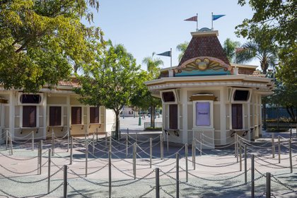 The Dineylandia stop in Anaheim, Califonia, remains closed. Disney announced the layoff of 28,000 workers.