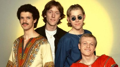 (@level42official)