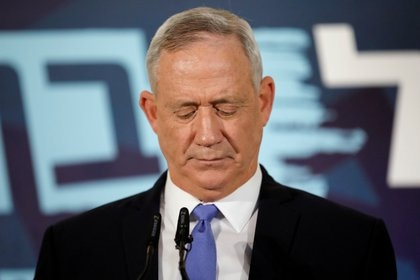 Benny Gantz, head of Blue and White party, delivers a statement in Tel Aviv, Israel November 20, 2019. REUTERS/Amir Cohen