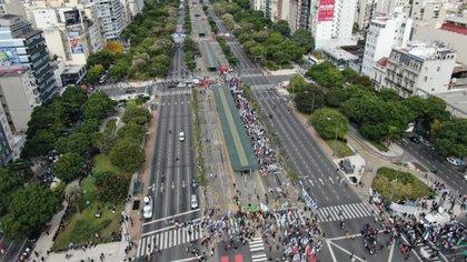 Se esperaba mayor cantidad de militantes sobre la 9 de Julio (Foto: drone de Infobae)