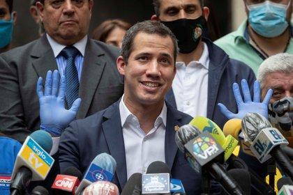 Guaidó pidió a los trabajadores de la salud descargar un VPN para recibir el bono