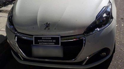 Mellizo: un Peugeot incautado por la Policía de la Ciudad.