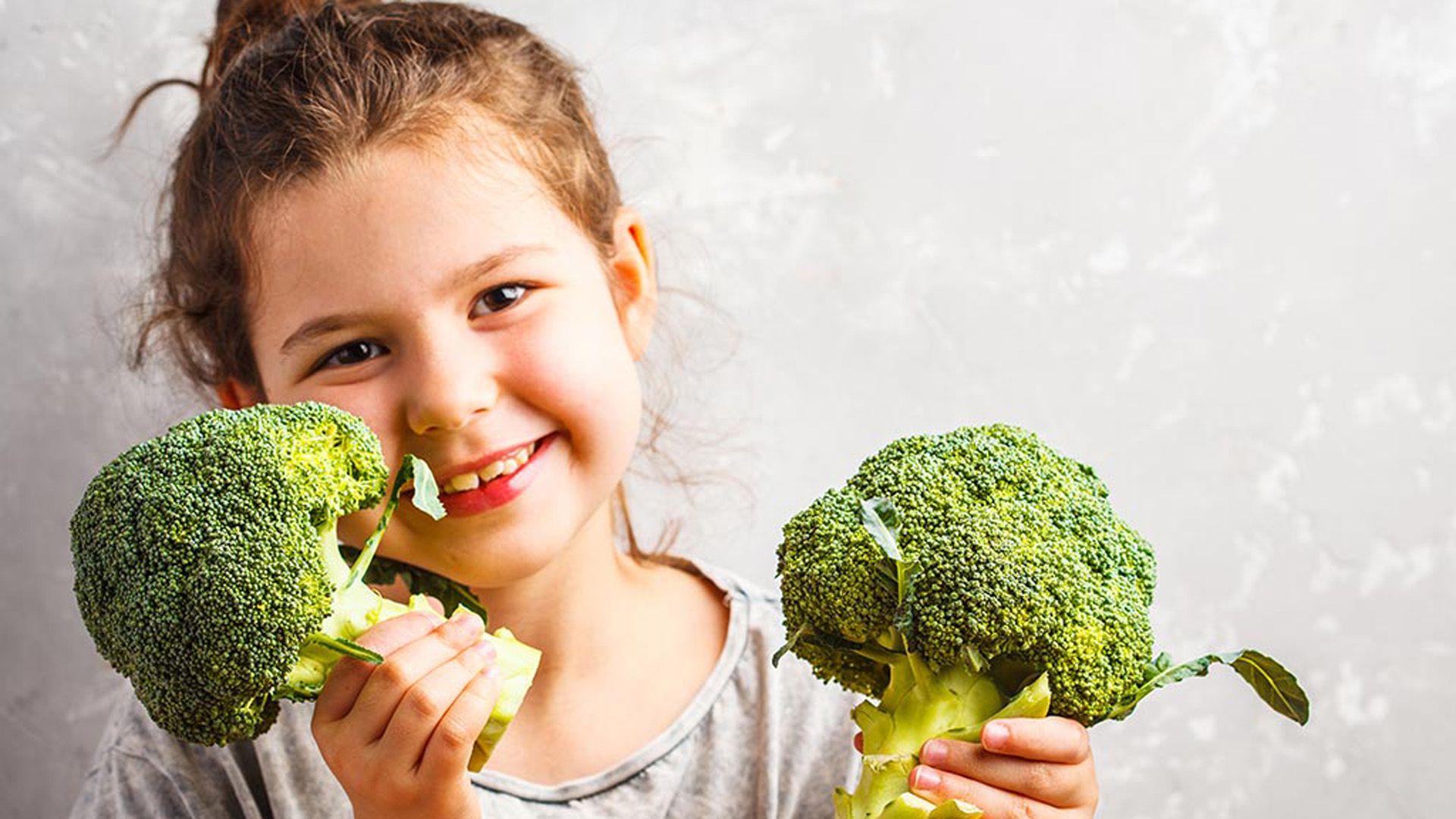 Es bueno incorporar al brócoli desde niños en la alimentación semanal