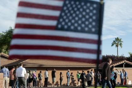 Dos latinas y una afroamericana pueden hacer historia enlas eleccionesdel 6 de noviembre. (AFP)