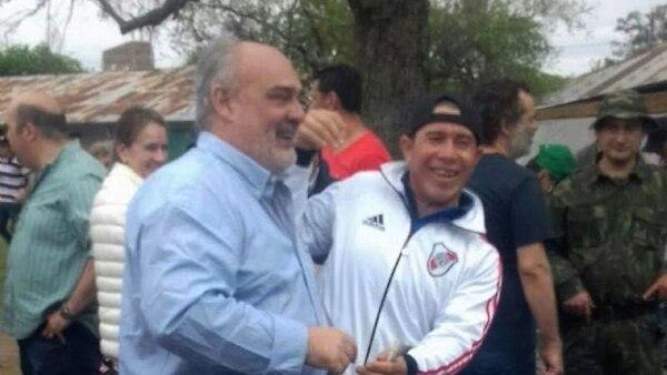 Ricardo Colombi, gobernador de Corrientes, habría presenciando las carreras de caballos en el Jockey Club de Goya.