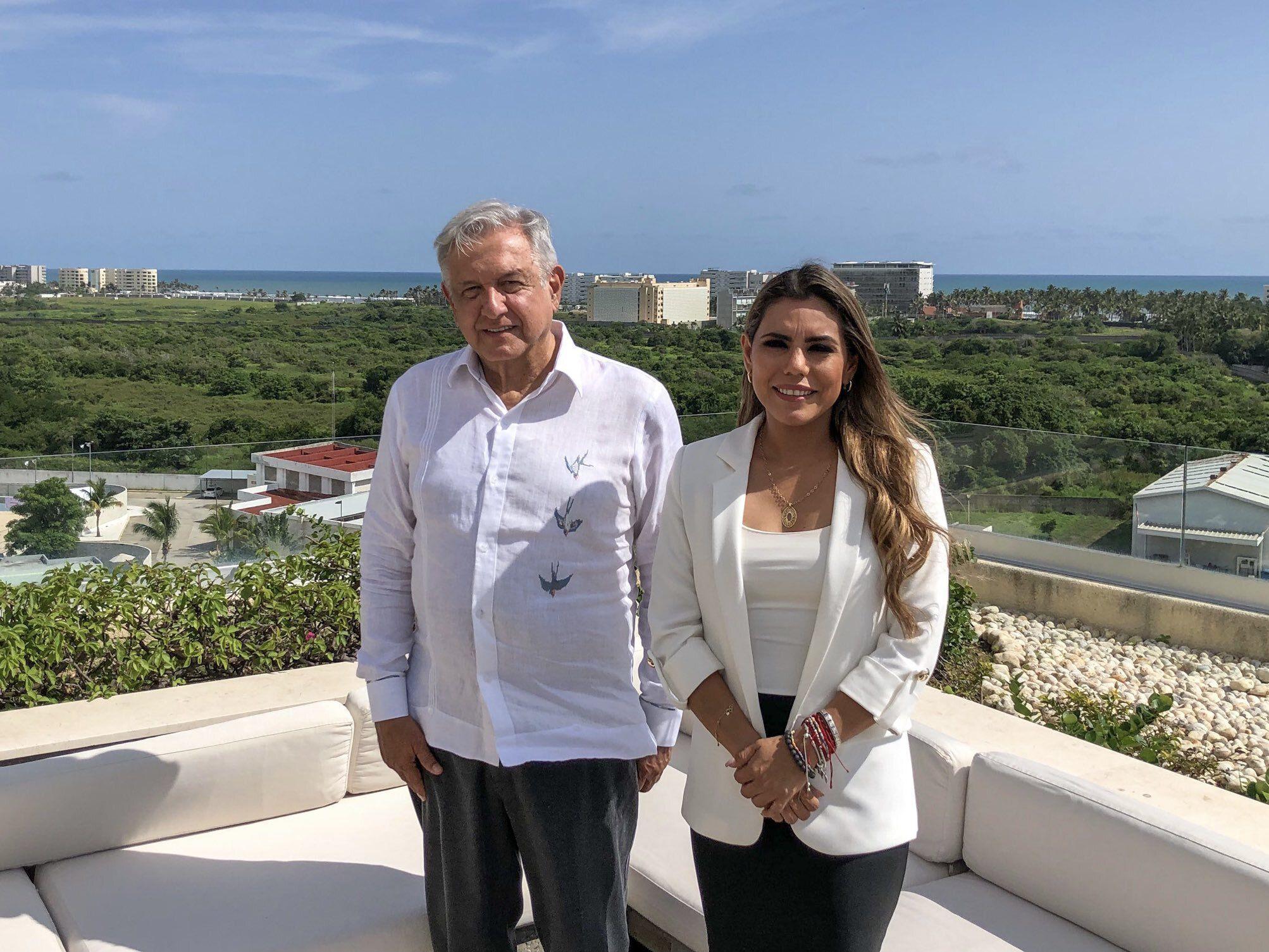 El presidente López Obrador se reunió con Evelyn Salgado, gobernadora electa de Guerrero (Foto: Twitter@lopezobrador_)