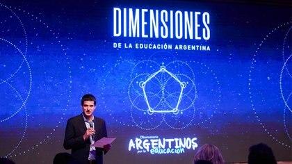 Ignacio Ibarzábal, director ejecutivo del Observatorio Argentinos por la Educación, durante de la presentación del informe en el CCK