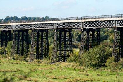 El último tren de carga cruzó el viaducto de Bennerley en 1968, y la estructura se dejó de usar (Shutterstock)
