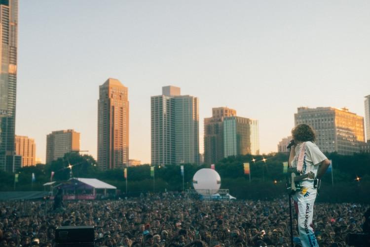 King Princess, uno de los números más celebrados del pop actual, desplegó su cancionero en el escenario Lake Shore