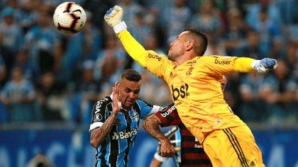 Diego Alves podría perderse la final de la Copa Libertadores ante River (Reuters)