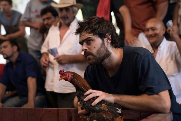 """Peter Lanzani en """"Un gallo para Esculapio"""""""