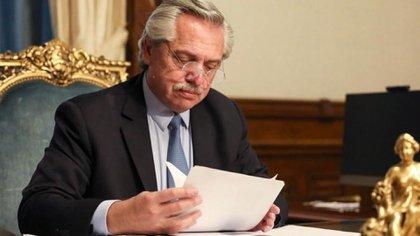 Alberto Fernández en su despacho de la Casa Rosada