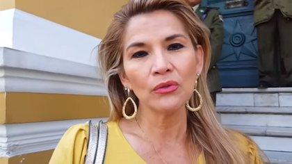 La senadora Jeanine Áñez, segunda vicepresidenta del Senado, dijo que podría asumir la presidencia de Bolivia