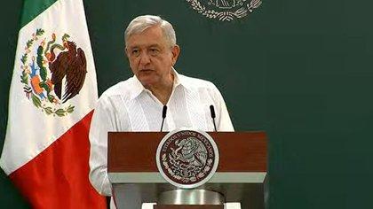 AMLO mostró respaldo al subsecretario de salud. (Foto: Especial)