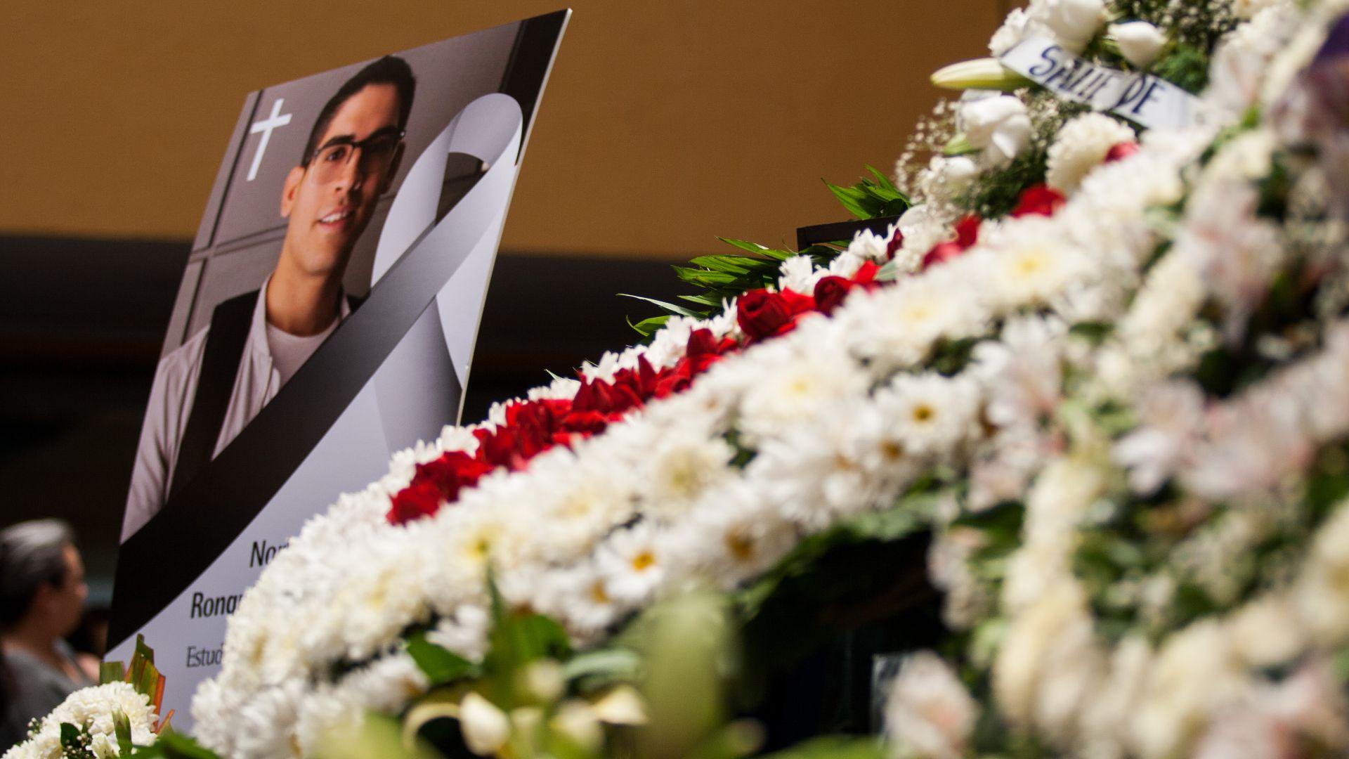 Norberto Ronquillo fue homenajeado por la universidad donde cursaba (Foto: Galo Cañas/ Cuartoscuro)