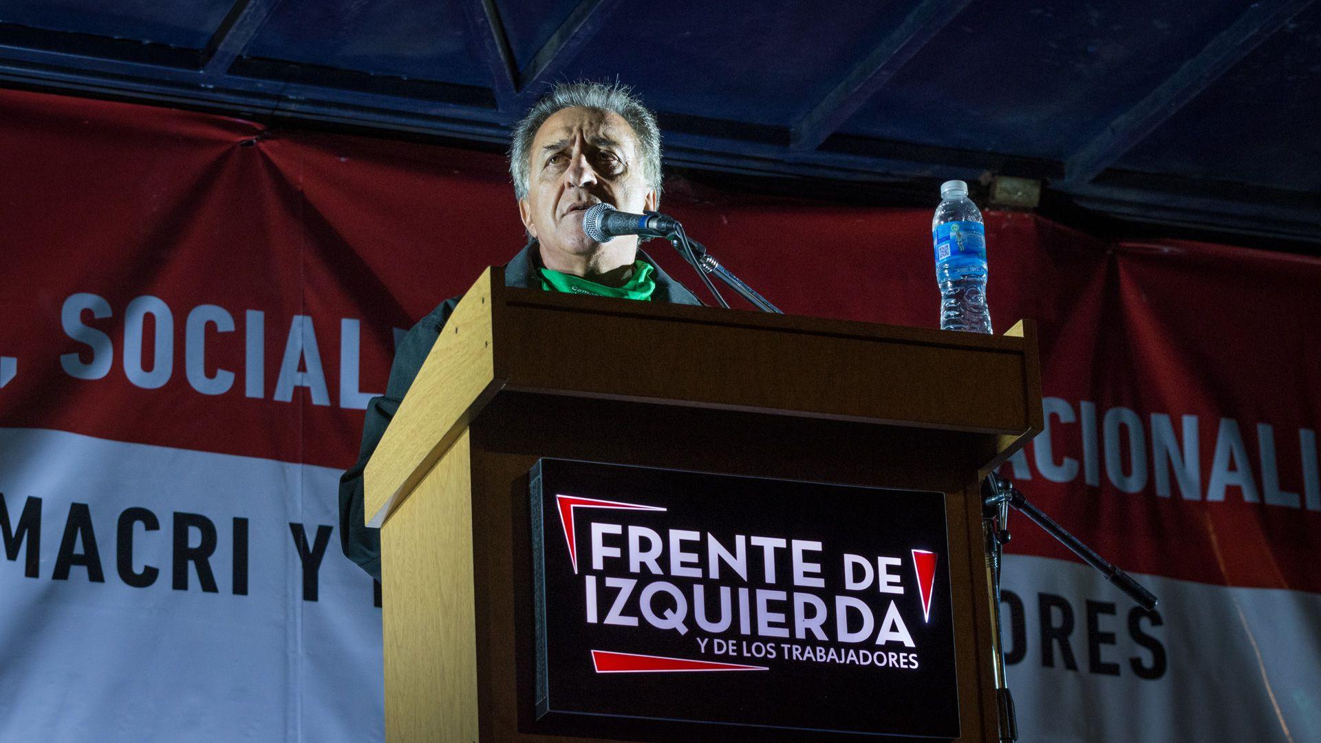 Néstor Pitrola (Martín Rosenzveig)