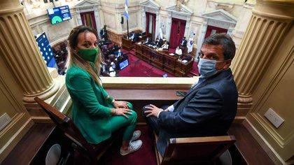 Sergio y Malena Massa, en el Congreso, el día de la votación de la ley de Interrupción Voluntaria del Embarazo (Comunicación Senado)