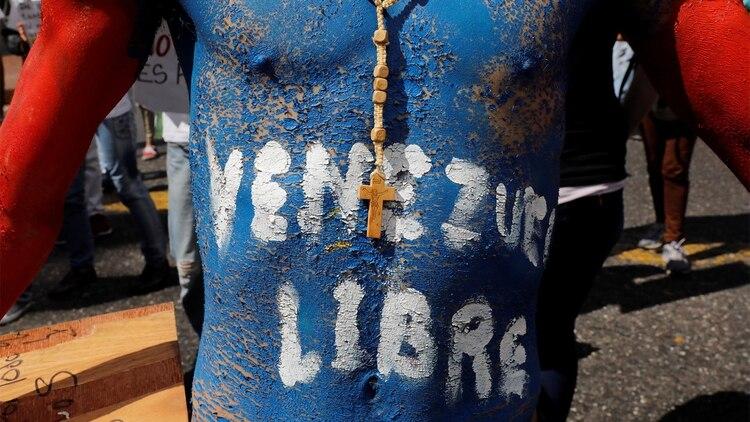 Venezuela atraviesa una severa crisis que ha acabado con el poder adquisitivo de sus ciudadanos (REUTERS/Carlos Jasso)