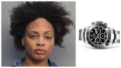 La mujer había introducido los relojes dentro de su cavidad vaginal (Foto: Especial)