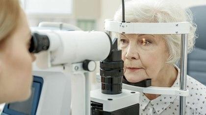 La neurodaptación corrige naturalmente cualquier posible sensación de extrañeza que la persona puede experimentar apenas se le realiza el tratamiento (Getty Images)