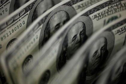 """El regreso del """"cepo"""" mantiene casi fijo al tipo de cambio mayorista. (Reuters)"""