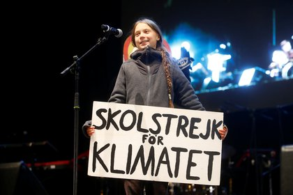 Greta Thunberg encabezó la marcha en Madrid por la cumbre del clima este 6 de diciembre de 2019 (REUTERS/Javier Barbancho)