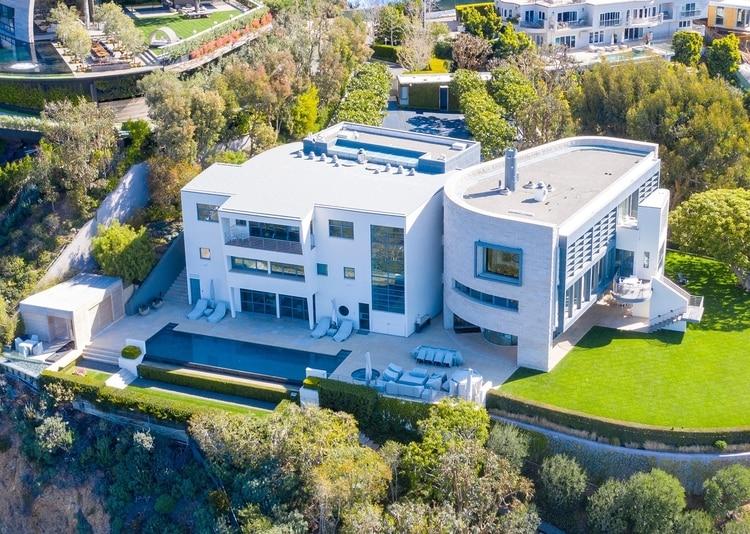 Su casa en Los Ángeles en donde hoy hacen la cuarentena (Grosby)