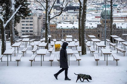 Czechia faces the third wave with lack of beds, staff and syringes (EFE / EPA / MARTIN DIVISEK)