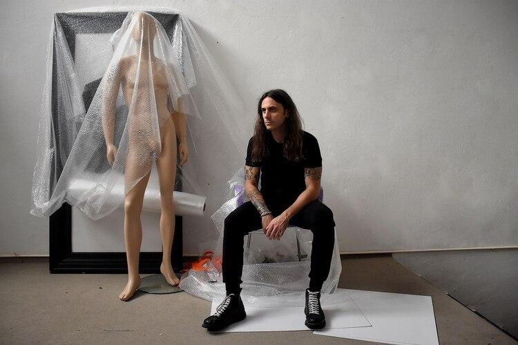 Sebastián Raimondi uno de los new talent del diseño que presentó su colección en BAFWEEK (Nicolás Stulberg)
