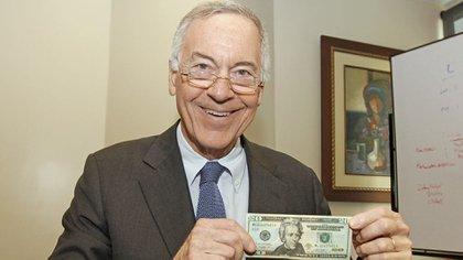 Steve Hanke dijo que la inflación en la Argentina fue del 120% en 2020