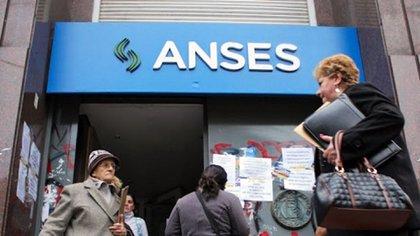 La Anses autorizó el año pasado la posibilidad de pagar jubilaciones, pensiones, AUH y otros beneficios por medio de billeteras electrónicas