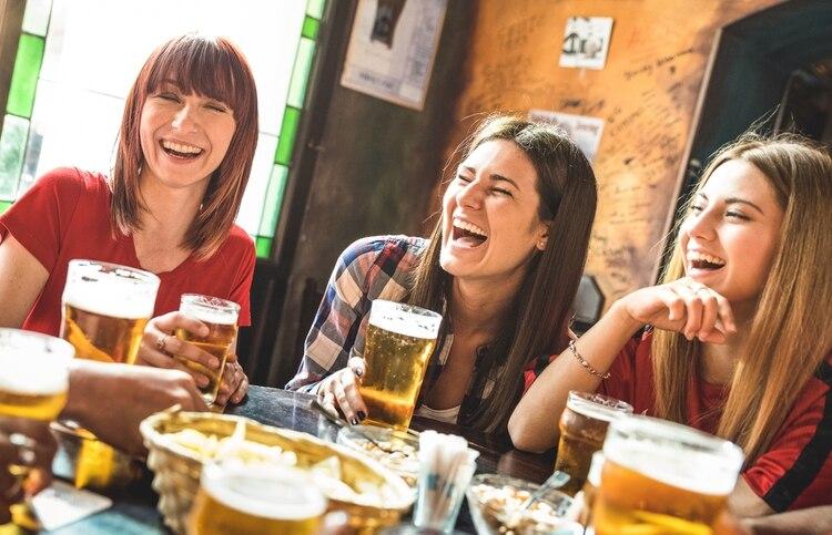 El consumo de alcohol en exceso en jóvenes crece año tras año