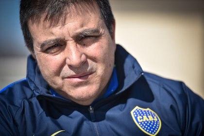 Nicolás Burdisso despediría a Vivas de la coordinación de juveniles (Guille Llamos)