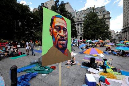 """La muerte de George Floyd provocó una ola de protestas en EEUU y diferentes partes del mundo, bajo el lema """"Black Lives Matter"""" (REUTERS/Mike Segar)"""