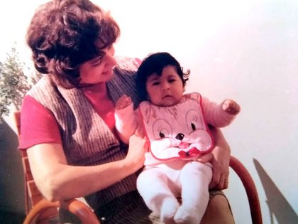 """Sintió vergüenza a medida que fue creciendo porque su mamá de crianza era muy blanca y ella morocha y todos se daban cuenta de que """"había algo raro""""."""
