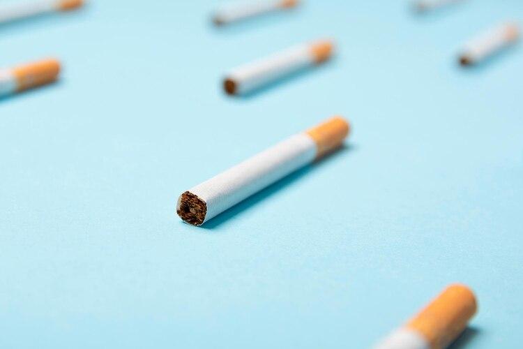 De acuerdo con los Centros para el Control y la Prevención de Enfermedades de los Estados Unidos, de todas las cosas por las que uno puede morir, el tabaquismo ocupa el primer lugar de la lista en cuanto a muertes evitables (Shutterstock)