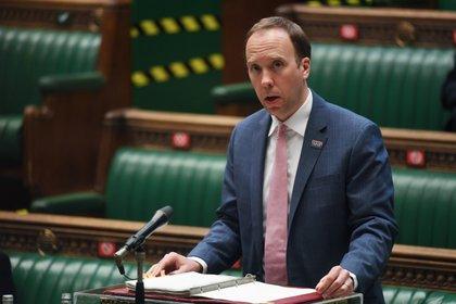 Matt Hancock, ministro de salud británico, se presentó este lunes ante el Parlamento (UK Parliament/Jessica Taylor/Handout via REUTERS)