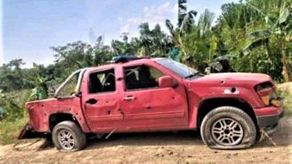 Uno de los vehículos afectados por el enfrentamiento en Apure