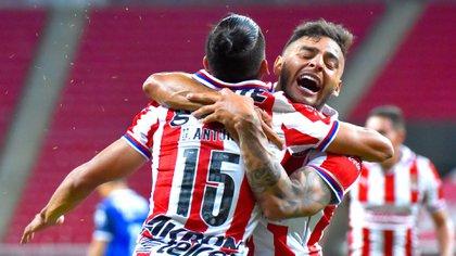 Brizio reconoció que hubo un error arbitral en el partido del sábado entre Chivas y Monterrey (Foto: Twitter/ @Chivas)
